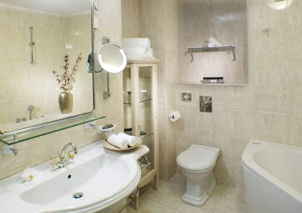 Lake Bled wedding suppliers Hotel Toplice bathroom