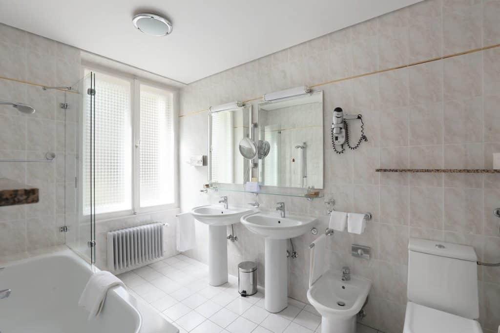 Lake Bled wedding accommodation Vila Bled bathroom
