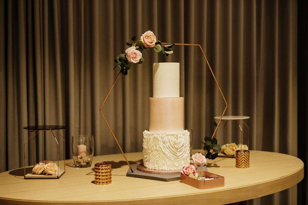 Elegant cake by Lake Bled wedding supplier