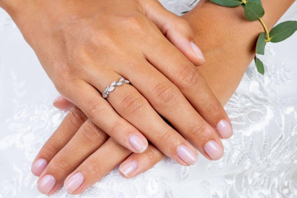 Lake Bled wedding supplier ring on the bride's hand