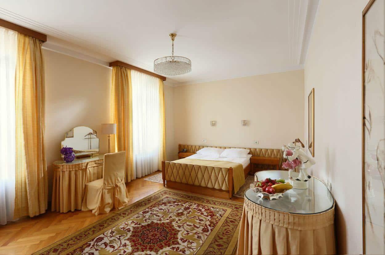 Honeymoon-suite-Vila-Bled