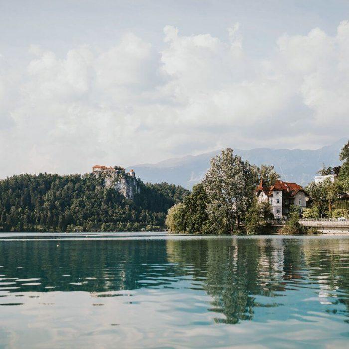 Blejski-grad-iz-jezera