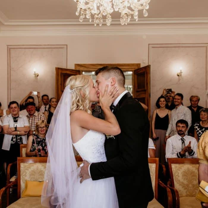 Wedding-couple-kiss-Bled-Town-Hall-wedding