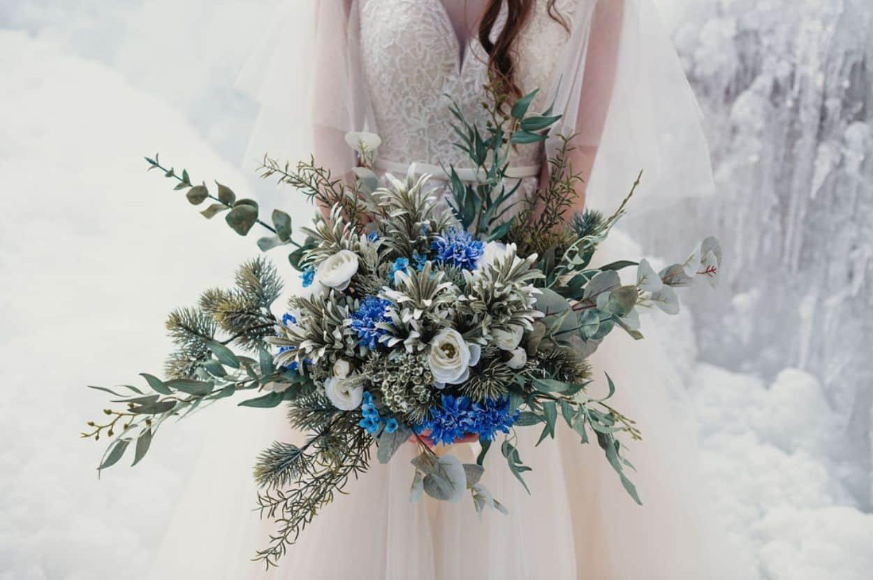 Winter wedding bouqet.