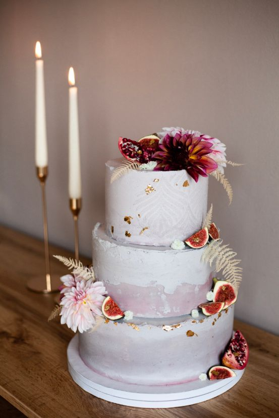 Wedding cake with figs.